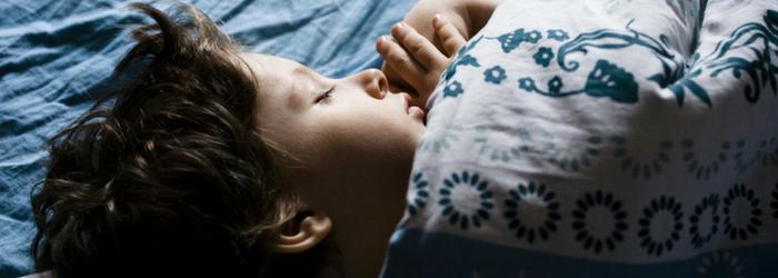 ¿Cómo promover los buenos hábitos de sueño de mi hijo?